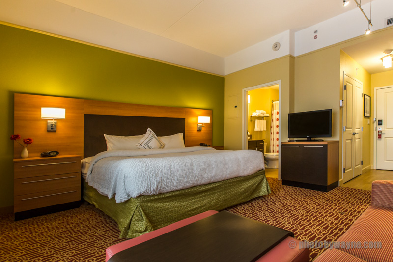 hotel-room-interior-photo