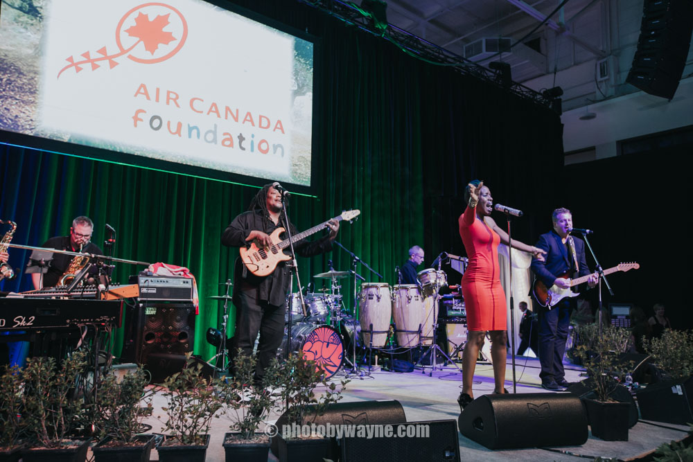 81-stage-performance-air-canada-foundation.jpg