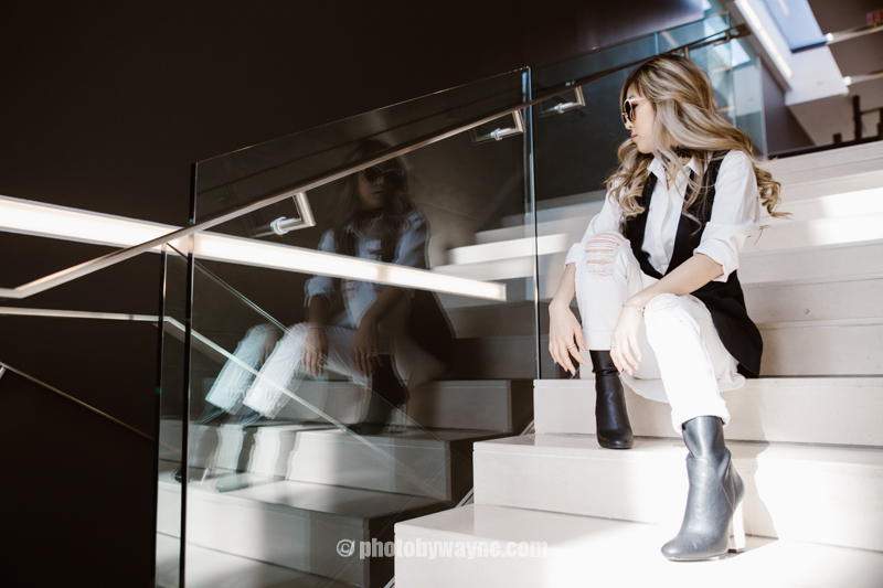 12-fashion-blogger-sitting-on-stair-case.jpg