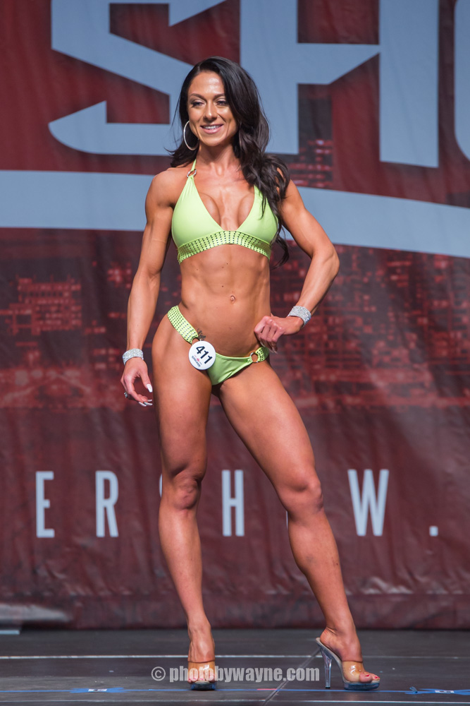 14-toronto-pro-supershow-bikini-model-competition.jpg
