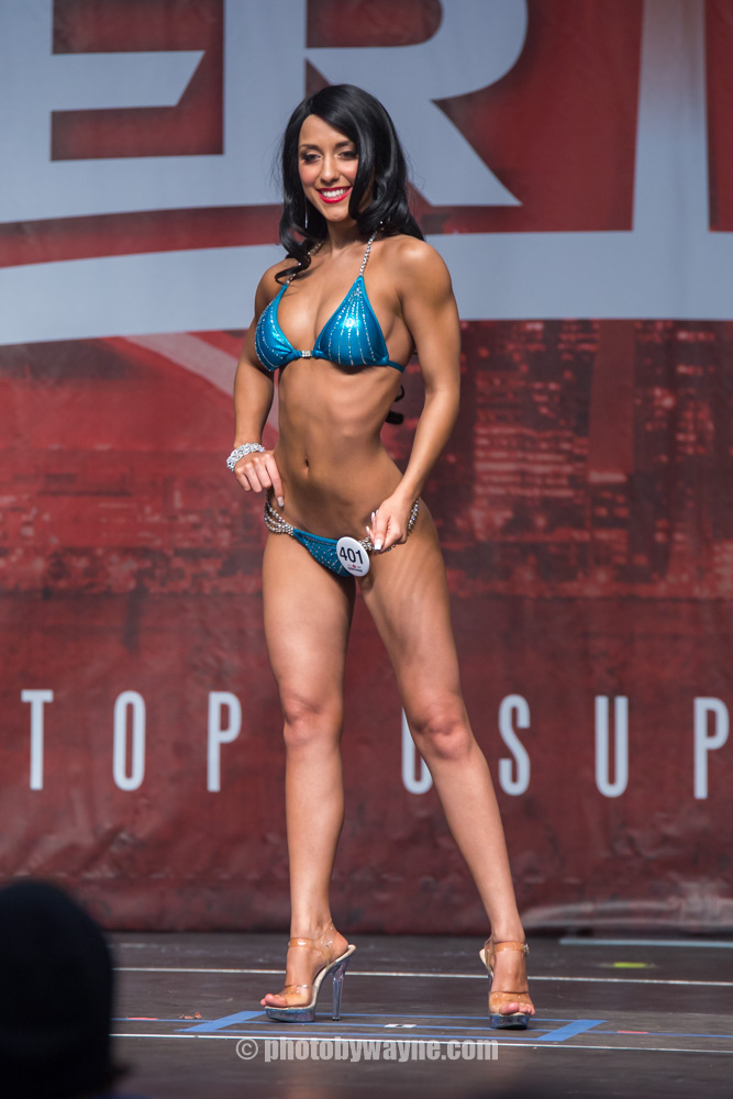 15-toronto-pro-supershow-swimsuit-model-competition.jpg