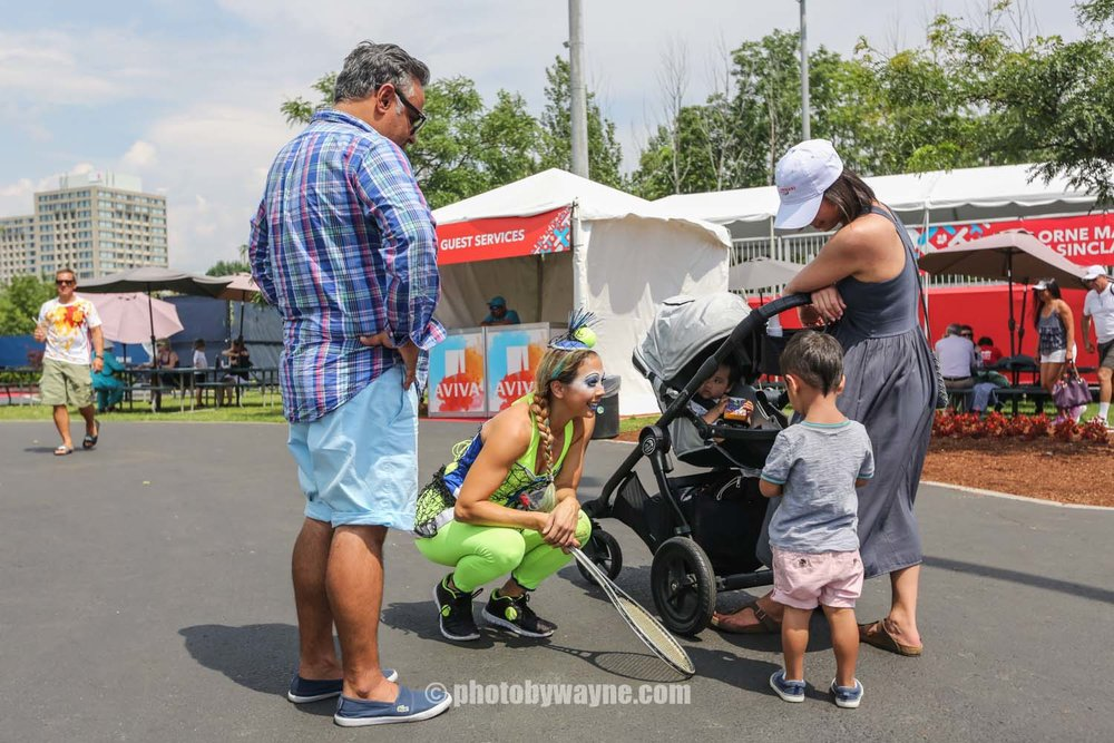 family-spending-time-at-the-rogers-cup-in-toronto.jpg