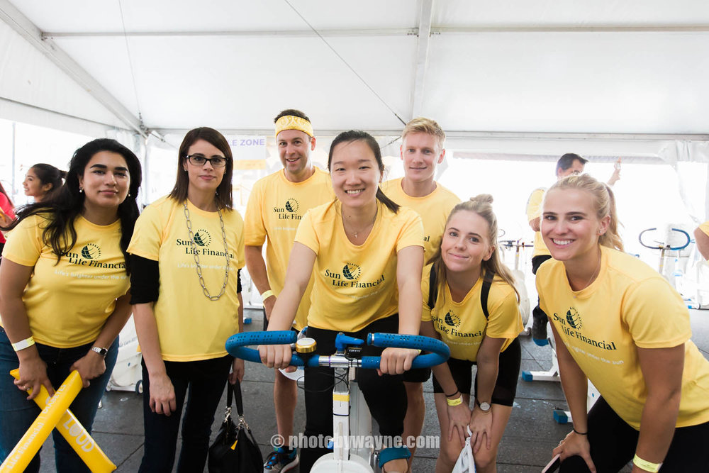 16-JDRF-Toronto-charity-ride-sunlife-team.jpg
