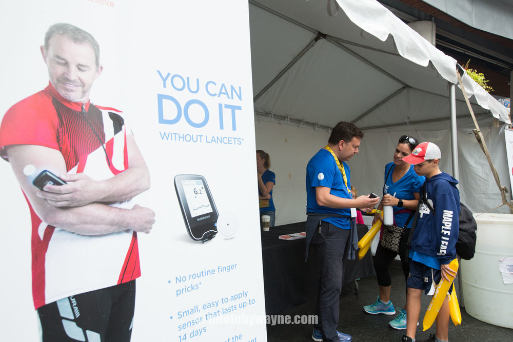 25-JDRF-Toronto-charity-ride-abbott-booth.jpg