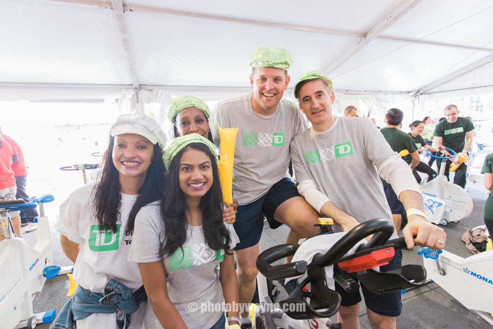 32-JDRF-Toronto-charity-ride-td-bank-team.jpg