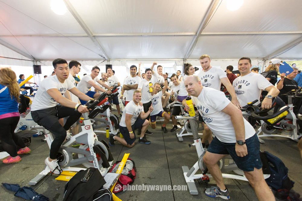 46-JDRF-Toronto-charity-ride-university-of-toronto-team.jpg