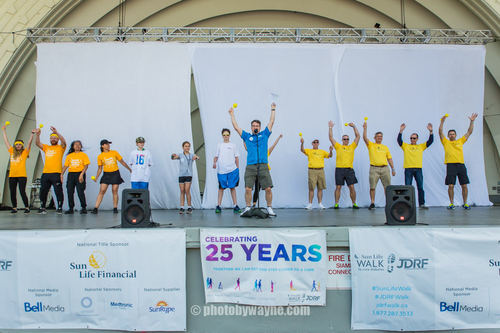 22-people-warming-up-before-toronto-charity-walk.jpg