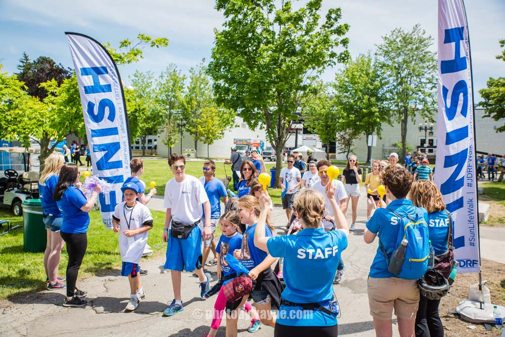 59-t1d-fundraising-walk-finish-line.jpg