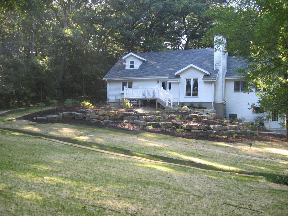 maintenance landscaping mowing planting, aeration, lawn care