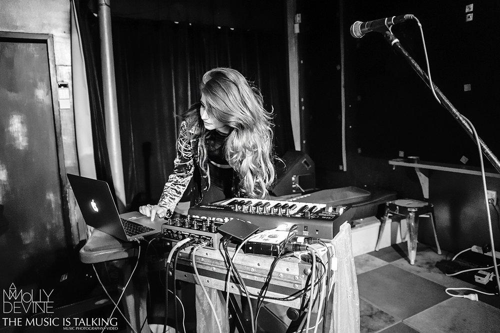 Molly Devine © Alexander Hallag-3123.jpg