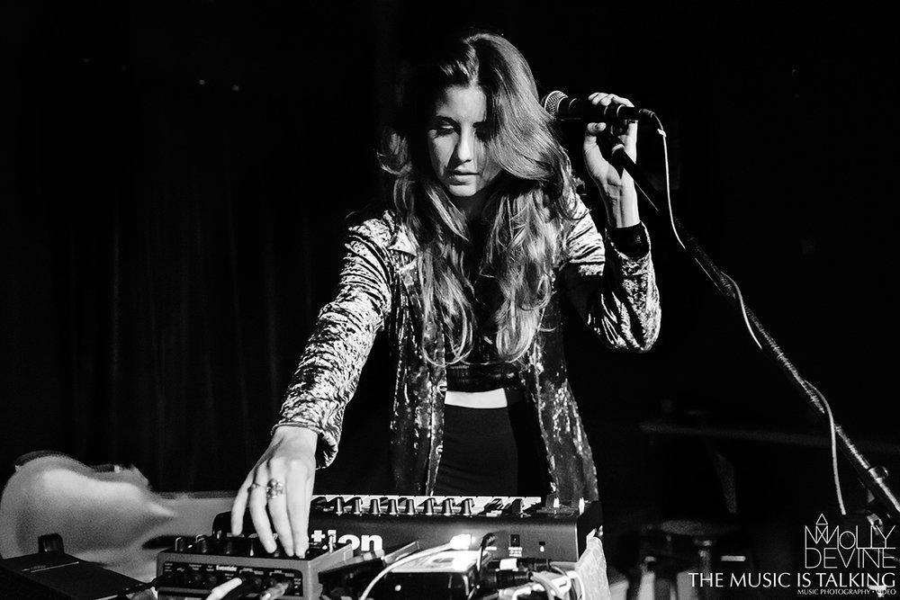 Molly Devine © Alexander Hallag-3167.jpg
