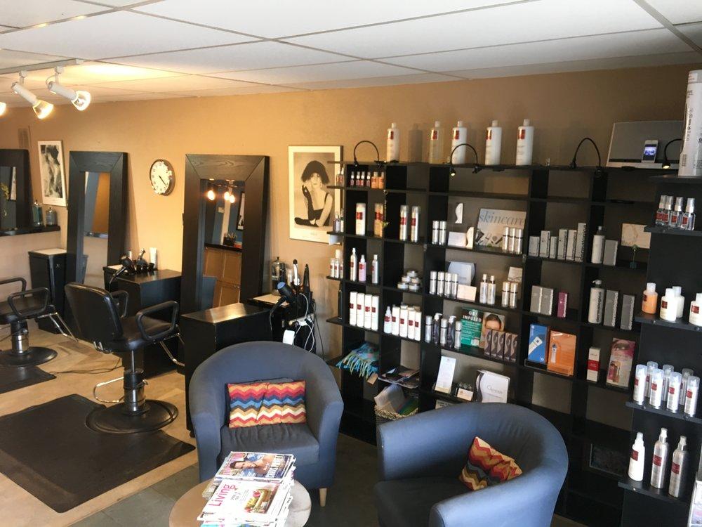 Salon waiting area & styling chair IMG_2028.JPG