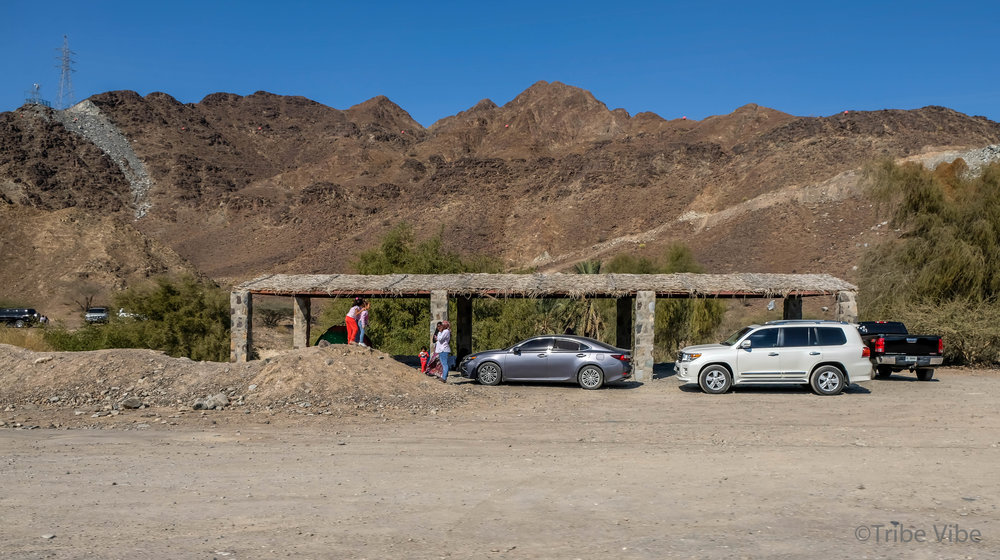 picnic shelters to relax under dotted the highway by the Shawka Dam