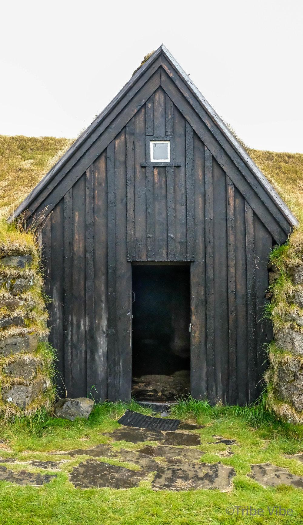 Keldur Turf House 19.jpg