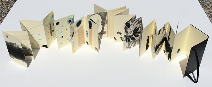 /// La petite fabrique  / artist's book - leporello moleskine / single copy / 2010