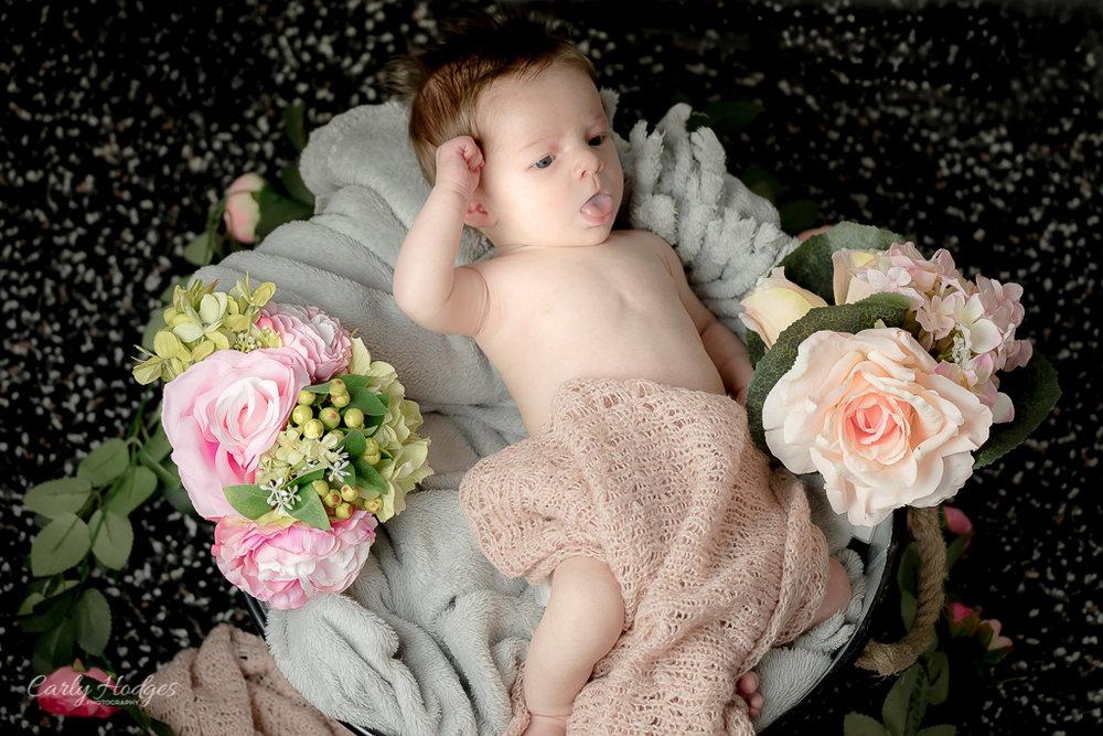 Caitlin Baby Shoot-16.jpg