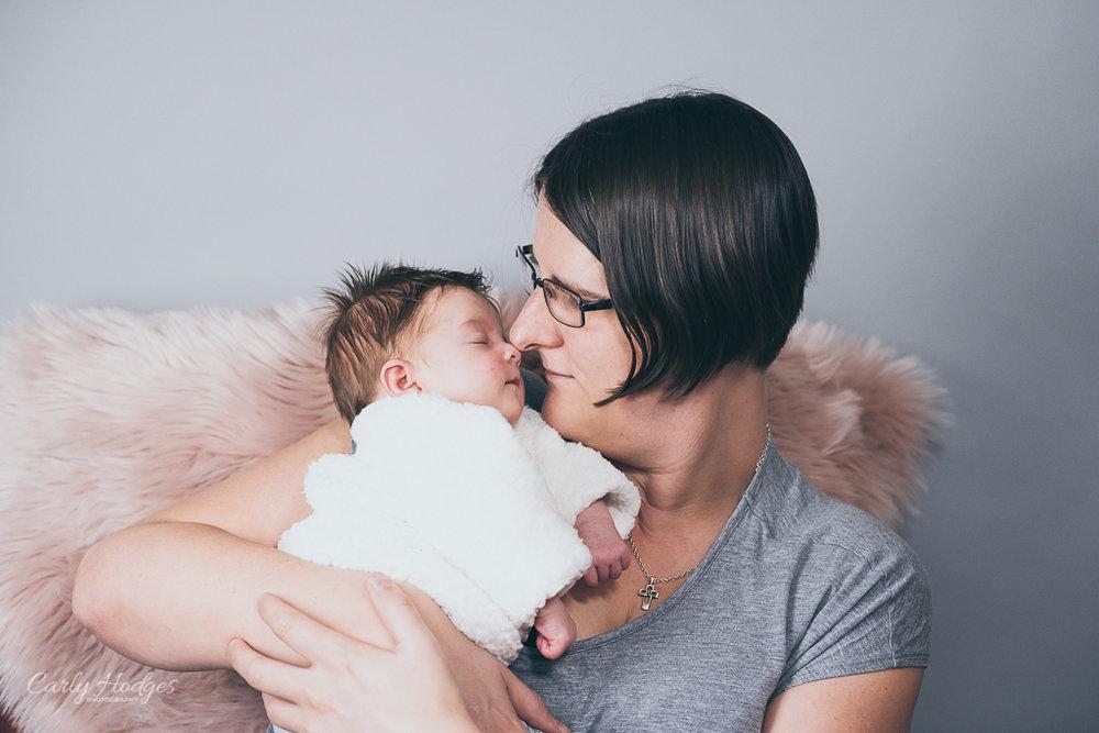 Caitlin Baby Shoot-33.jpg