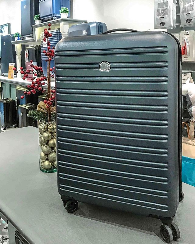 Let the good times roll! The double spinner wheels on the Segur let you move from one place to the next easy breezy! • • @delseyph and I are giving away this 70cm Segur luggage, perfect for a week-long trip. Sign-up now! Link in bio.