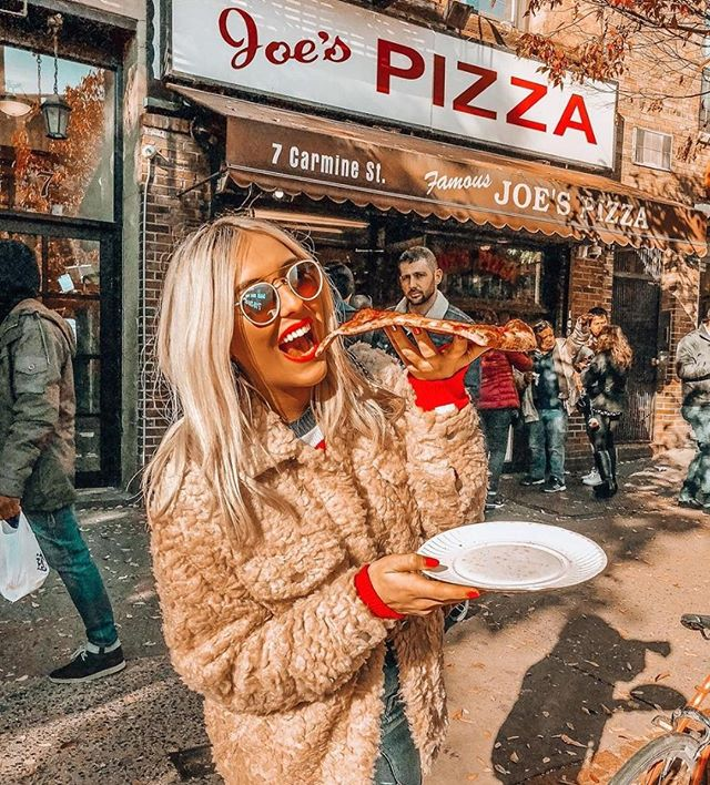 Pizza anyone? 🍕Photo of influencer @emshelx ˙ #EmShelNYC #EmTalksTravels #JoesPizza #NYCPizza #ootdgals #influencer #influencer #influencermarketing #influenceragency #influencers #influencerstyle #digitalinfluencer #influencerdigital