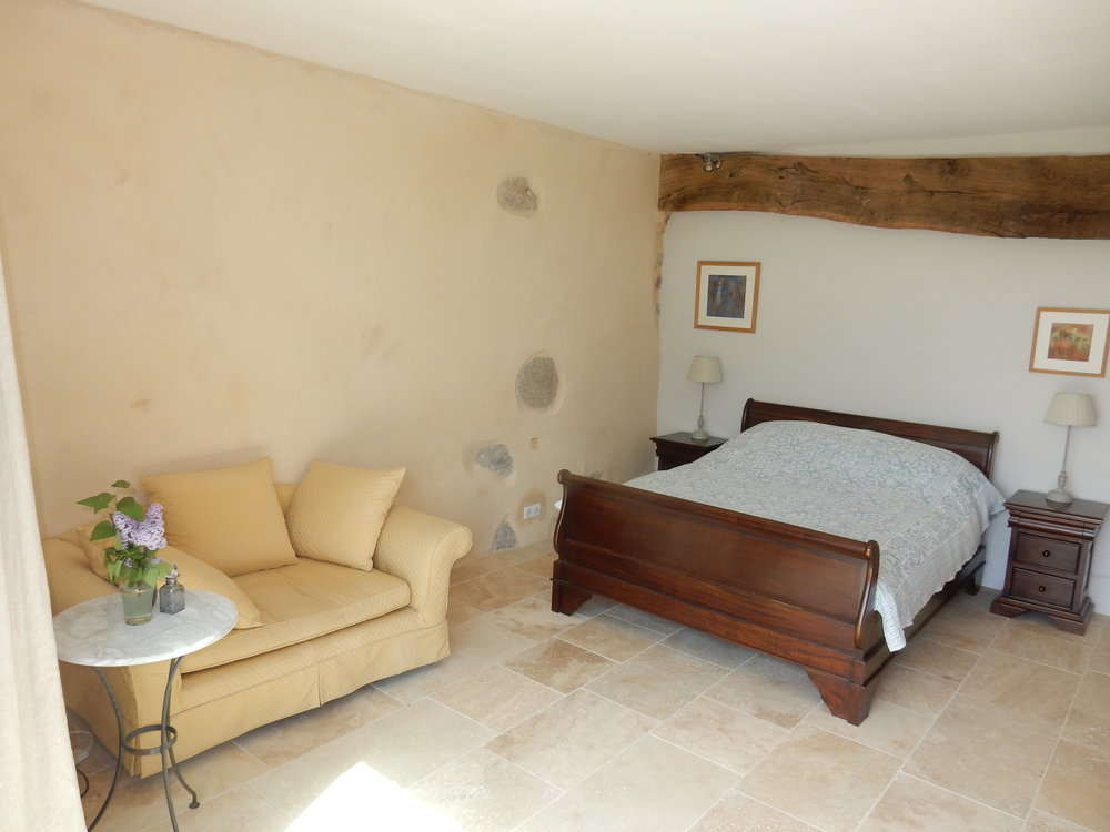 Bedroom 1 .. Chambre 1
