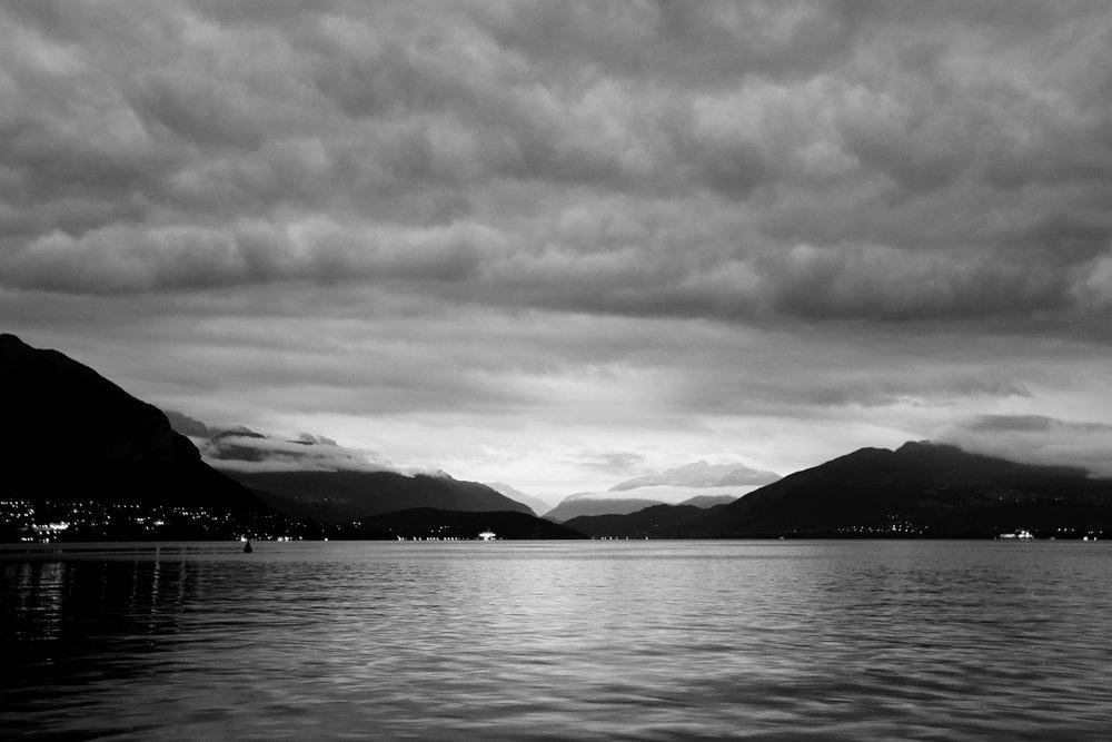 Annecy_Lake_Dusk_BW.jpg