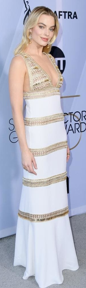 Margot Robbie in Chanel