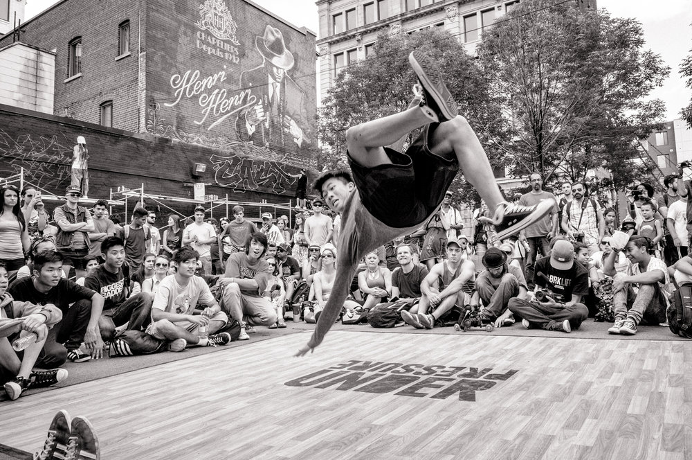 Under Pressure 2014:  Breakdance contest