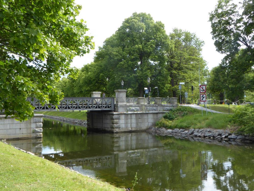 6 bron över kanalen.JPG