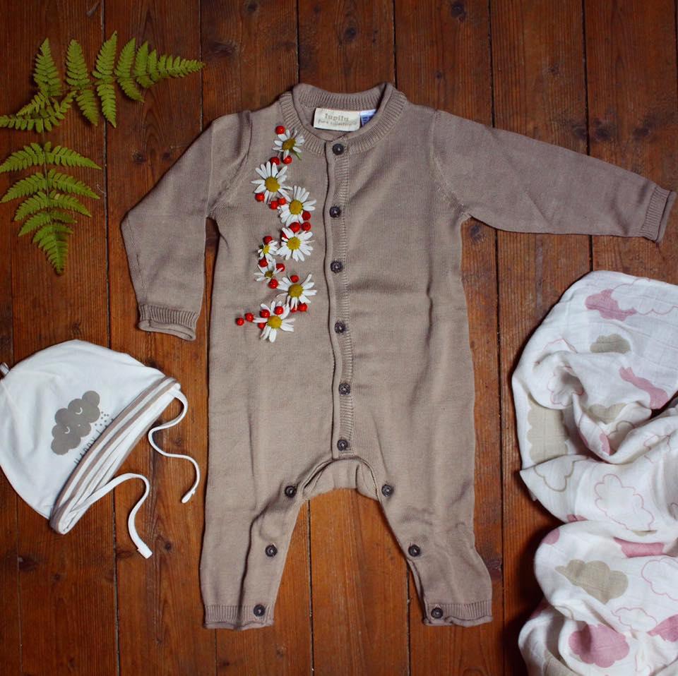 Babymössa, 2-pack 39.90, Stl.50/56–86/92. Stickad overall, 99.90, Stl.50/56–86/92. Muslinfilt, 2-pack: 120×120 cm