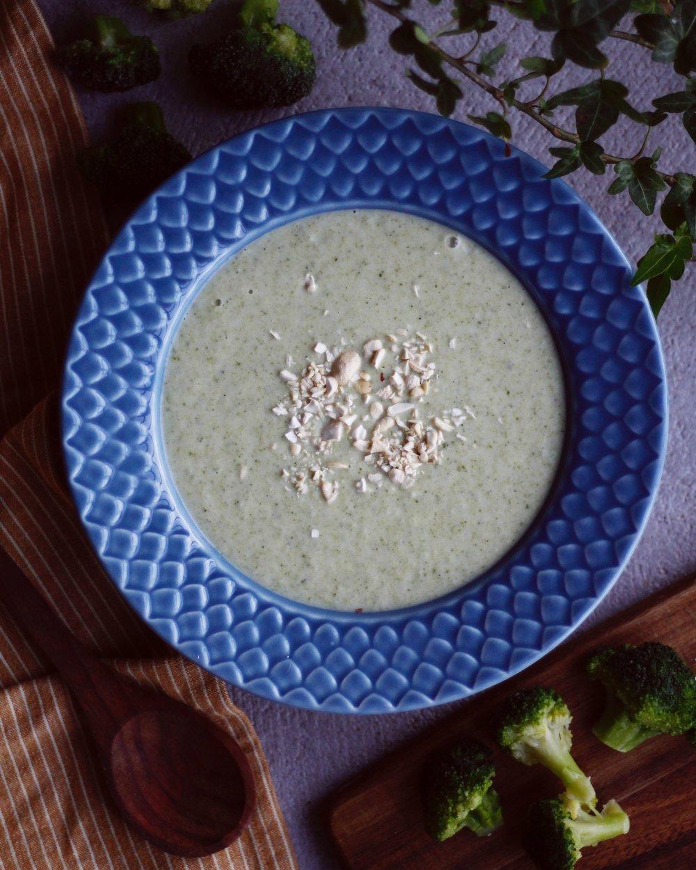 vegansk broccolisoppa cashewnötter