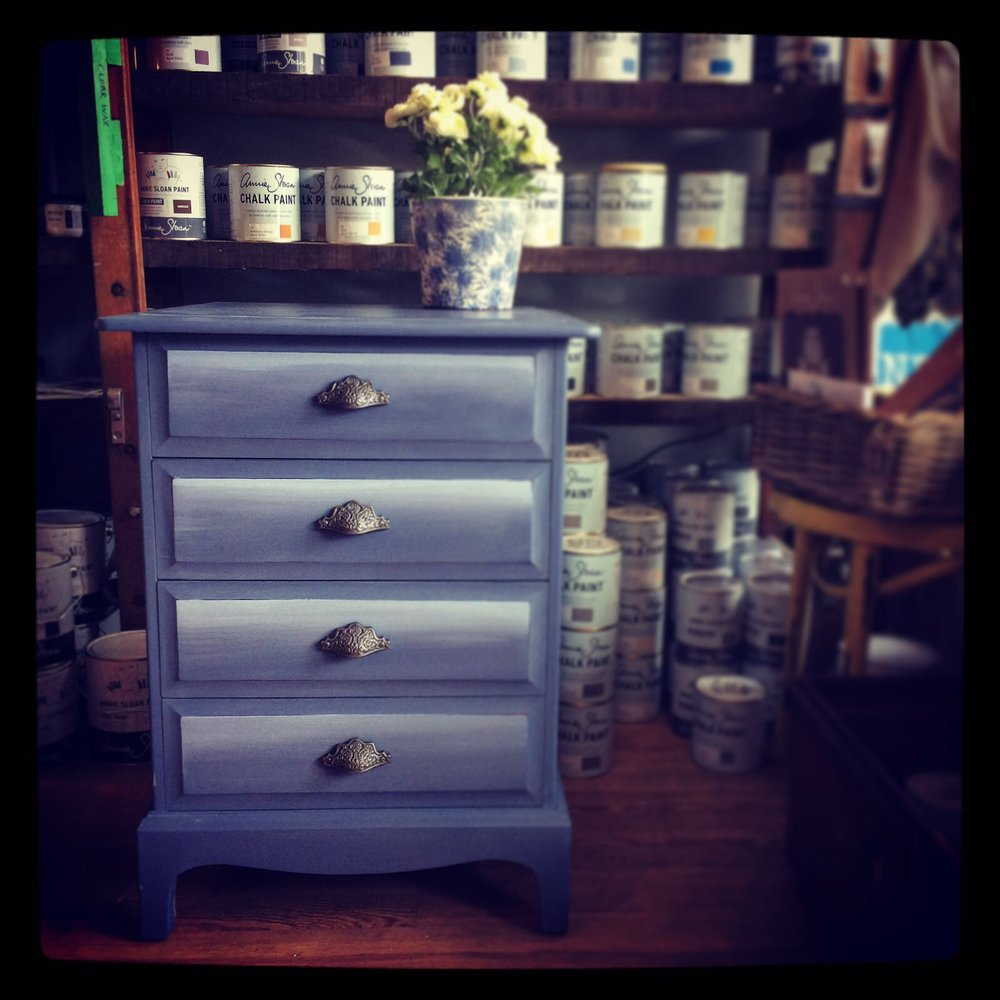 Vintage Stag chest of four drawers in Old Violet with ombre effect £150