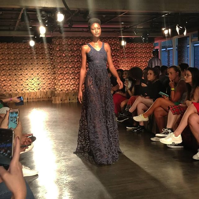 Desfile do @ronaldosilvestre.iti no primeiro dia do @befw_brasil_eco_fashion_week  #BEFW #fashionfuturesbrasil #ModaConsciente #modaautoral #modaetica