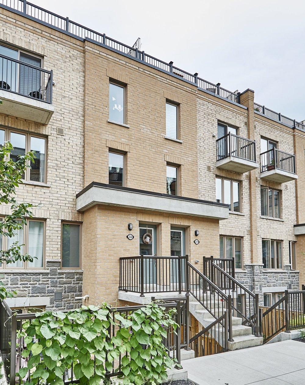 230-11 Foundry St.- SOLD 2+1 Beds | 2 Baths | Parking | Locker