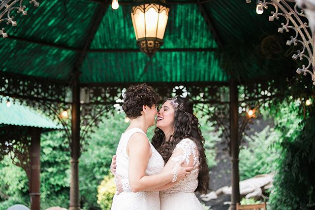 🏳️🌈Happy first day of pride month! This picture is from our wedding just one year ago. Let this year's pride be an extra motivator to protect our human rights and support the efforts and organizations that continue to do so everyday. Tag your favorite LGBTQ organizations in the comments. . . . . #pride #pridemonth2018 #pridemonth #lgbt #lesbian #lesbians #lgbtqtravelers #lgbtfamily #lgbttravel #travel #travelblogger #nycpride #gay #pride🌈 #lesbianwedding #lgbtwedding #gaymarriage #wives #twobrides #gaytravel #loveislove #love #instapic #weddingphotography #hrc