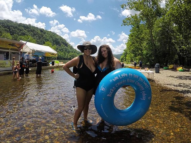 🔆Our motto this summer in Pennsylvania is to play outdoors! This was our first time tubing together and the Delaware River is an awesome place to do it! Also, their motto 🤦♀️. . . . . #outdoor #outdoors #pride🌈 #travel #travelgram #pennsylvania #delawareriver #river #tubing #lesbian #lesbiantravel #lgbt #pride🌈 #travel #travelblogger #traveltips