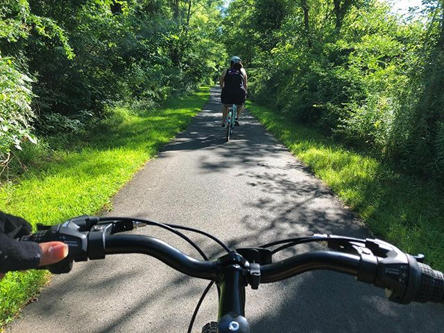 🚴🏻♀️🚴🏻♀️We picked up some bikes and headed to @tylerstatepark which is twice the size of Central Park in New York. It's located in the Philly suburbs. We were surprisingly greeted by 10.8 miles of hilly paved bike paths! It was hard but we were motivated by the fresh air and gorgeous scenery. . . . . . #biking #bikingadventures #cycling #pride🌈 #travelgram #pennsylvania #outdoor #outdoors #getoutside #nature #parks #statepark #lesbian #lesbiantravel #lesbianadventures #adventure #naturelovers  #lgbt