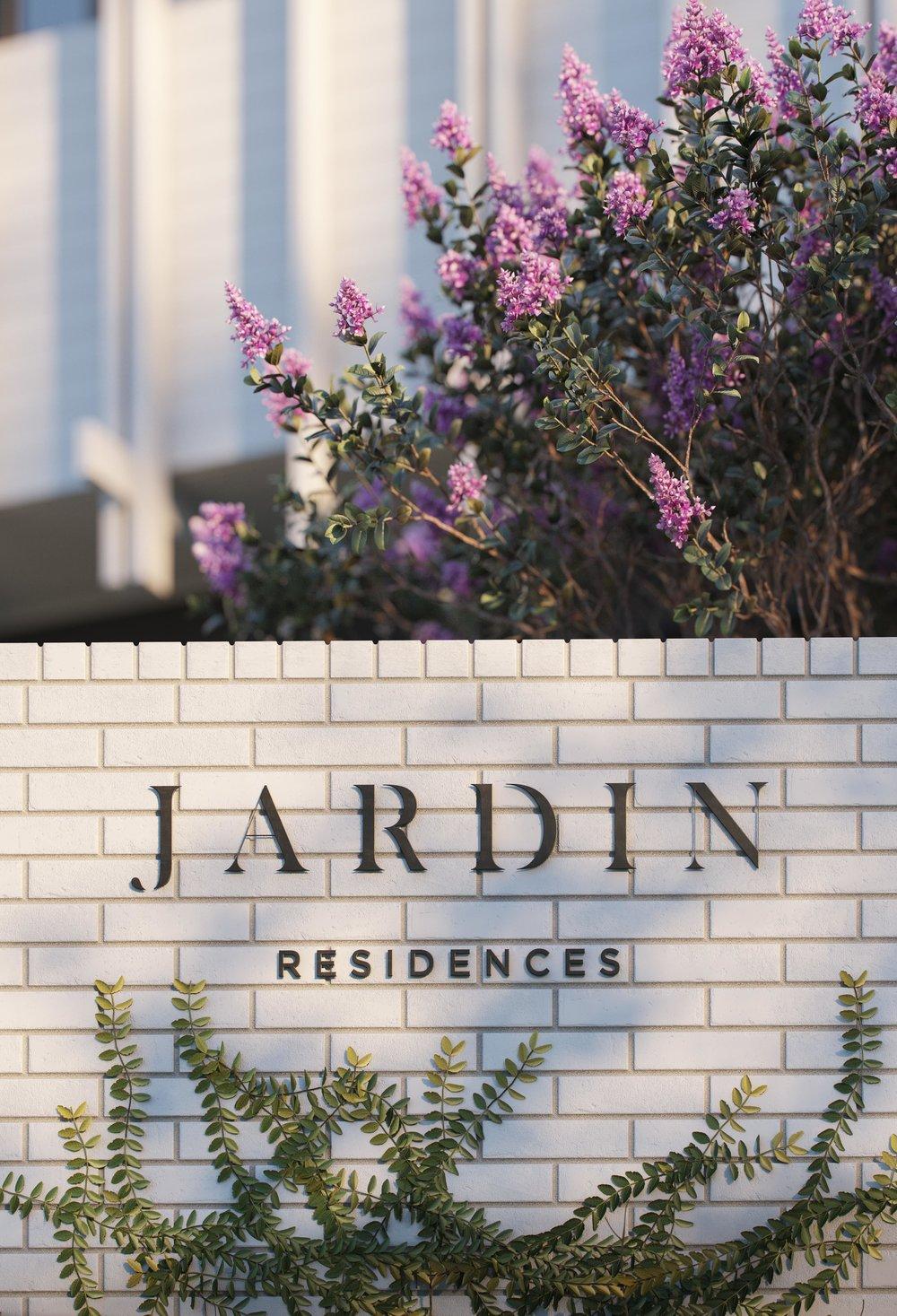 JARDIN - 2.jpg
