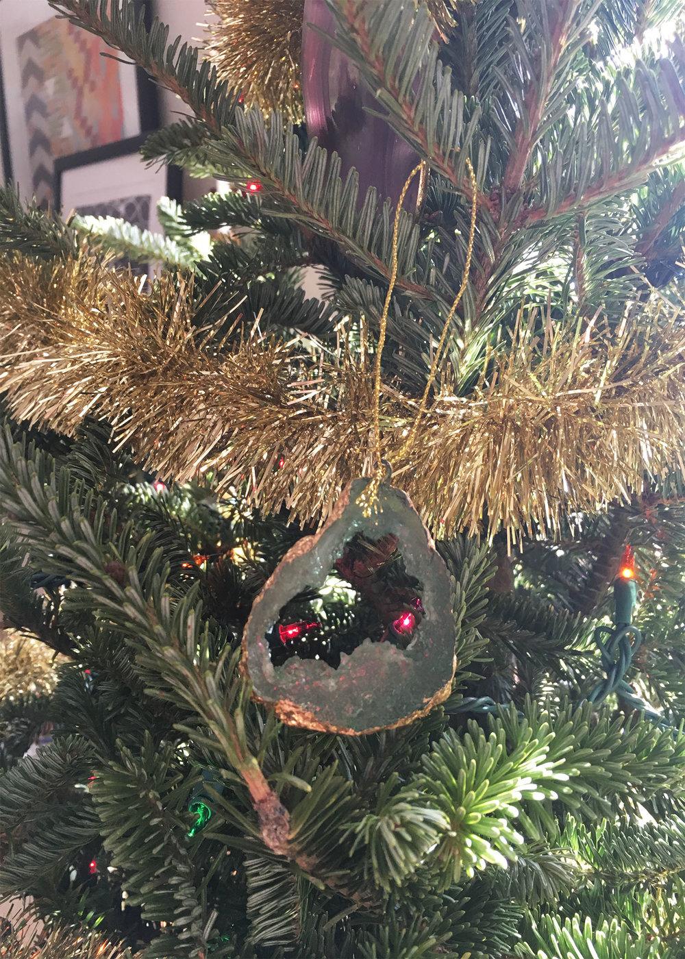 agate ornament.jpg
