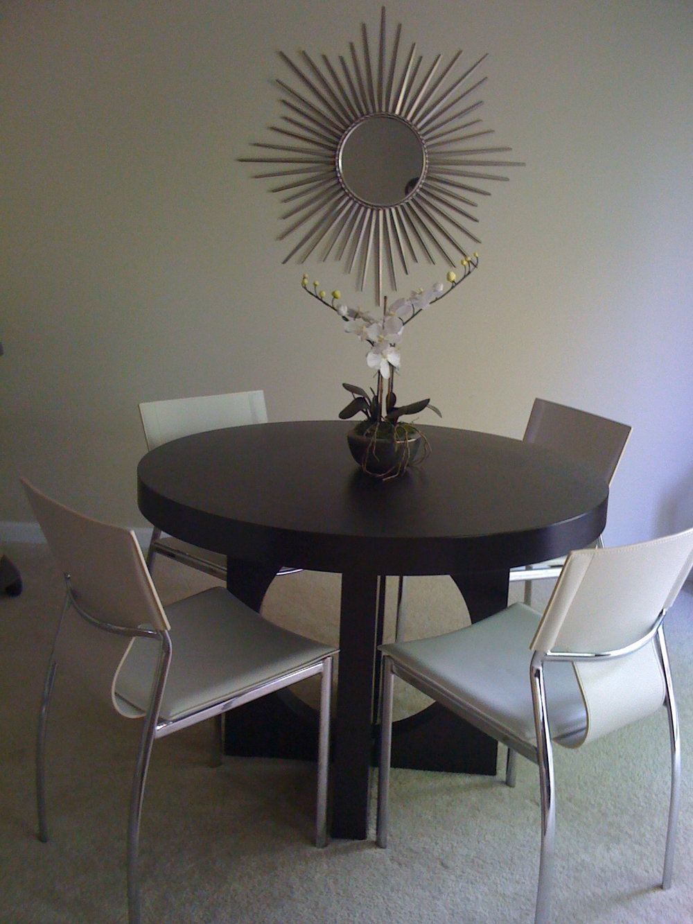 Old dining room, circa 2008, I think.