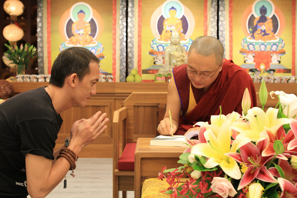 智慧與慈心的開展必須從自身做起,方能成就利他的事業。