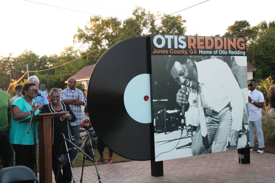 Marker Unveiling with Reddings