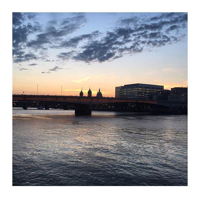 London I ❤ you #London #home #londonbridge #bestfrienddate #England