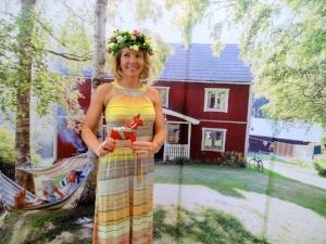 Johanna Samud Sage in Swedish Background.JPG
