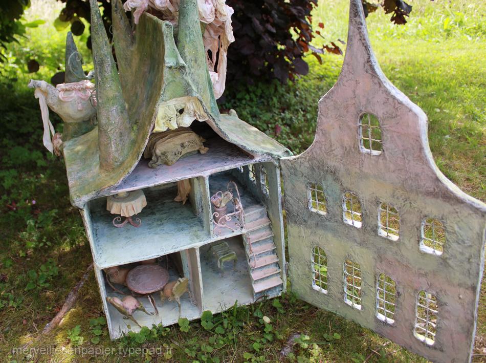 maison-de-poupée-d'alice-aux-pays-des-merveilles (2).jpg