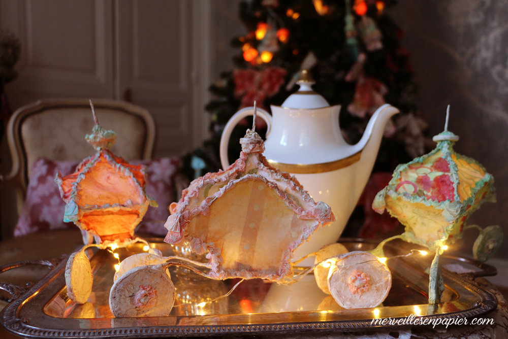 Christmas Carriages lights, quirlande de  Carrosses lumineux en papier