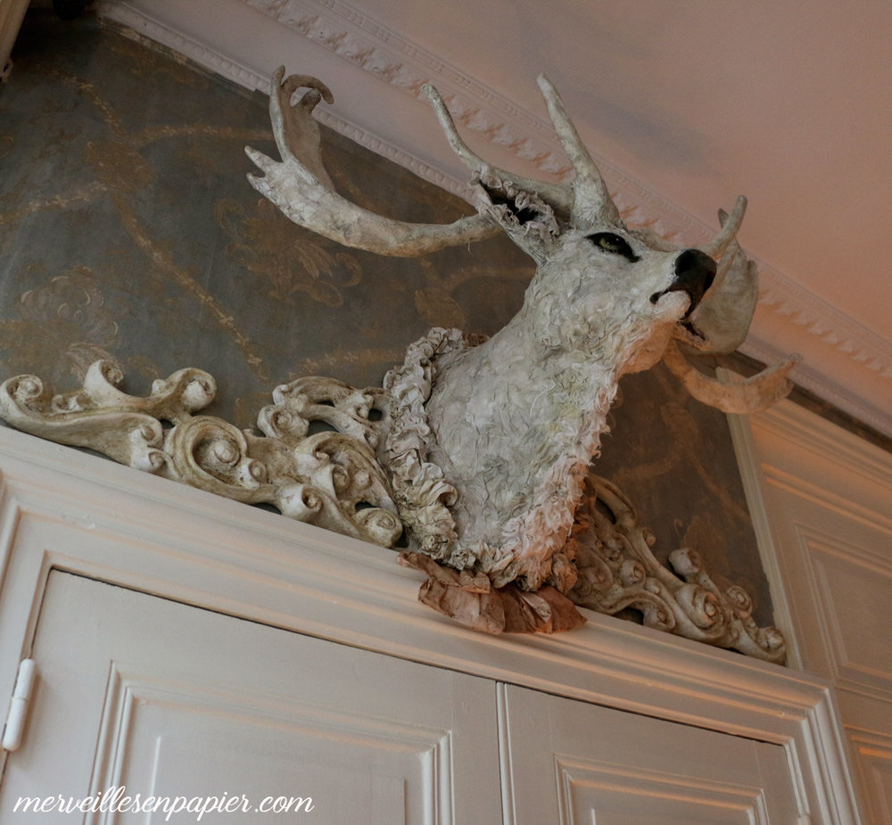 Baroque-papier-mâché-deer-hunt--trophy.jpg