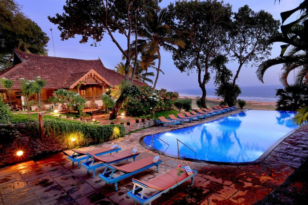 piscina resort.jpg