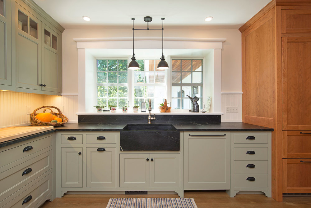 Historic-Kitchen-with-painted-cabinets_DSC0074.jpg