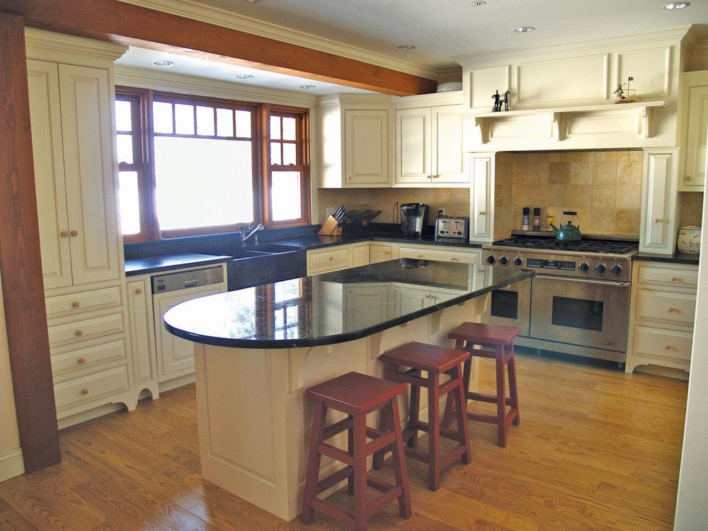 Raised-Panel-White-Kitchen-1.jpg
