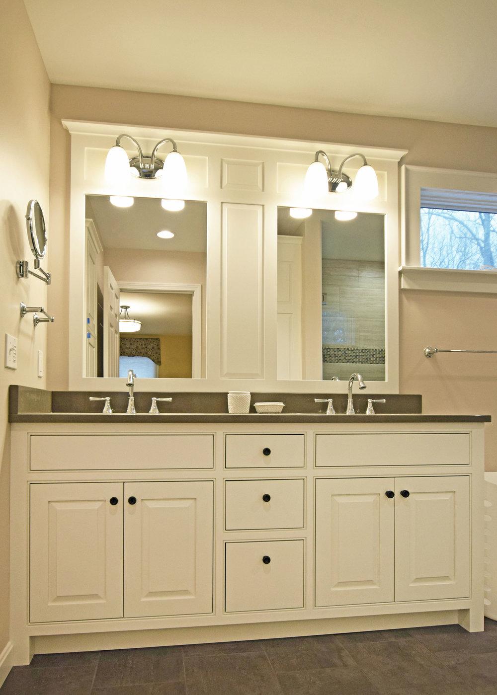 white-bath-vanity.jpg